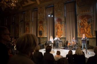 KunstFestSpiele Herrenhausen 2018, Hysterical Furniture, Performance / Tanz / Musik / Kulinarik, Jonathan Burrows / Matteo Fargion / Hugo Glendinning, 20.05.2018, Galerie Herrenhausen